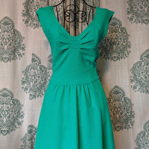 Anthro Postmark Matilde dress green size 2